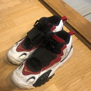 Used Nike diamond turf shoes